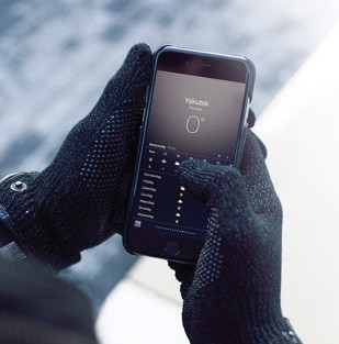 Refined Touchscreen Gloves by Mujjo