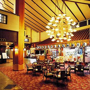 Nisshinkan's spacious lobby