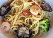 Healthy garlic and chili pasta, with eggplant and prawns