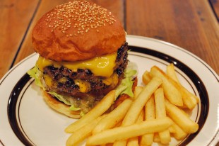 1097-burger-sp-cafe-hohokam