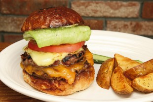 1097-burger-sp-munchs-burger-shack