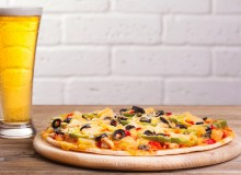 Pizza and beer (Photo courtesy of 123RF)