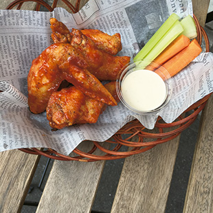 1117-meat-sp-buffalo-wings-and-smile