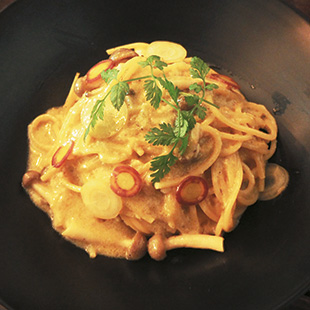 Hang Out's hemp cream pasta<br>