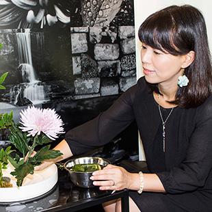 Atelier Soka's Mika Otani at work
