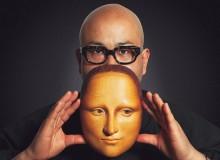 Bidou Yamaguchi and his mask of Leonardo's Mona Lisa