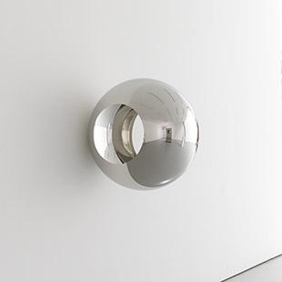 《Alice - Double Circle》2014 年 ステンレス 80 x 80 x 80 cm