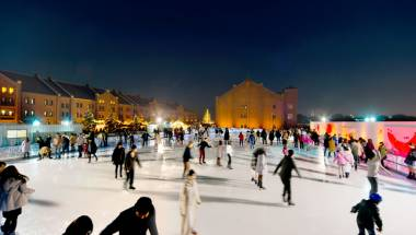 Art Rink Ice Skating