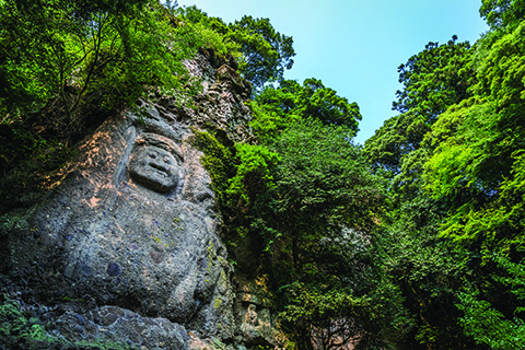 The eight-meter-high deity Fudo Myo-o has faced the elements for 900 years