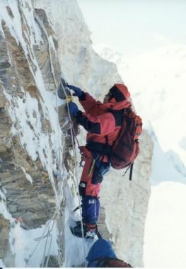 Tabei climbing Khan Tengri (7,010 m) in 1993. PC: Tabei Kikaku