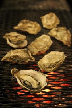 Kushiro Hokkaido Shellfish Grilled Clams Seafood Dining