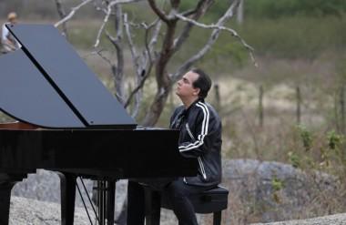 Brazilian Ricardo Bacelar pianist live concert