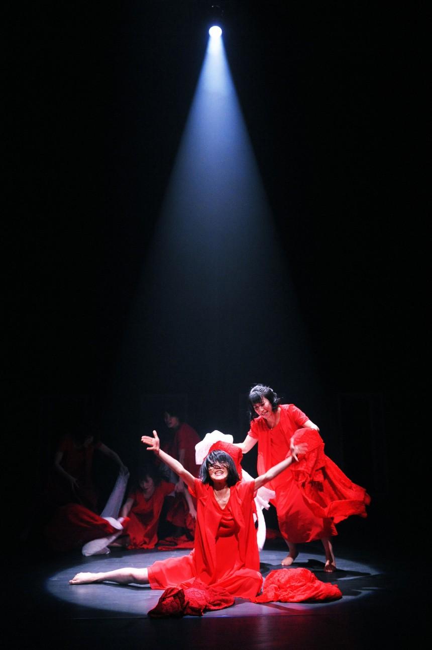 "Nibroll's ""Drama Queen"" Review | Culture | Metropolis Magazine Japan"