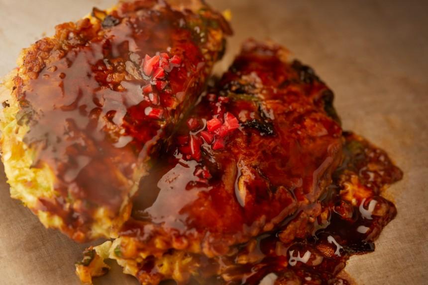 Nagaoka no Ossan okonomiyaki teppanyaki kobe new restaurant shokunin saku saku negi yaki konnyaku oden hiroo shibuya tokyo japan metropolis magazine