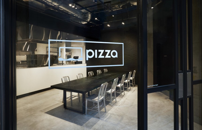 Crisp Salad Works R Pizza dining featured metropolis japan