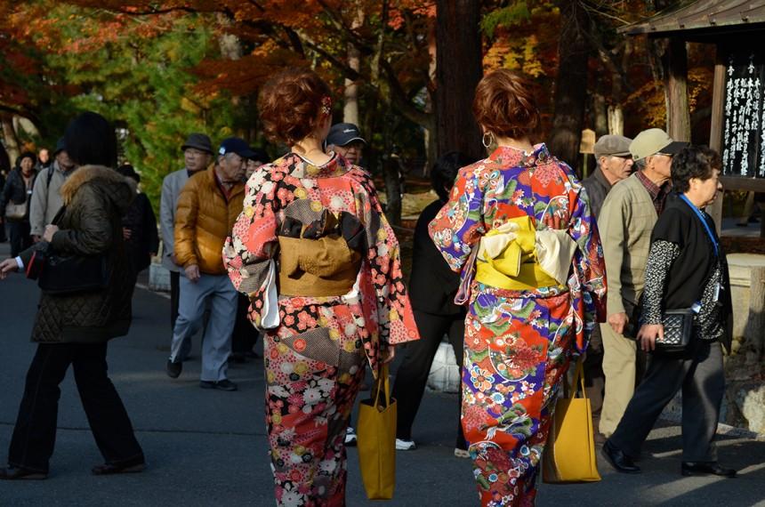 kimono kontroversy the last word kim kardashian kimono solutionwear lingerie shapewear cultural appropriation isabel marant commercial fashion culture kyoto daisaku kadokawa japan kimono league garment history