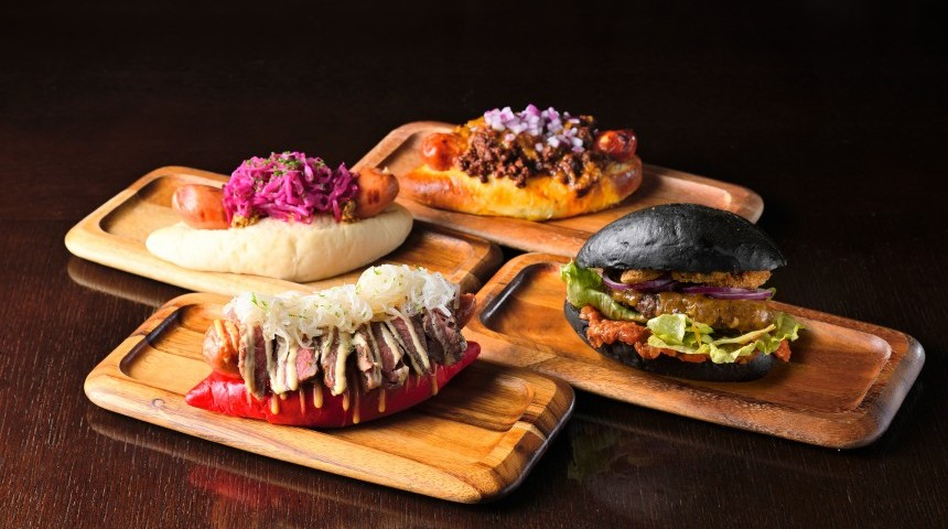 Rugby-Themed Hotdogs and Burgers at The Oak Door