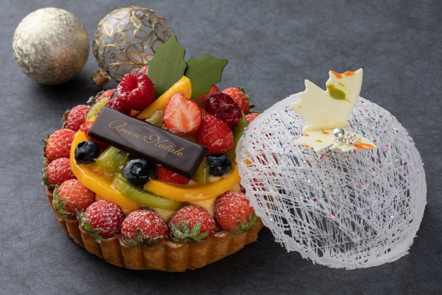BTQ-Christmas-Cake-Champ-De-Fleurs-1400-min