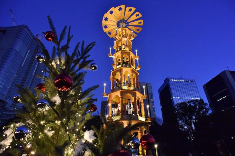 Shiba Park Christmas market to do illumination weekend fun
