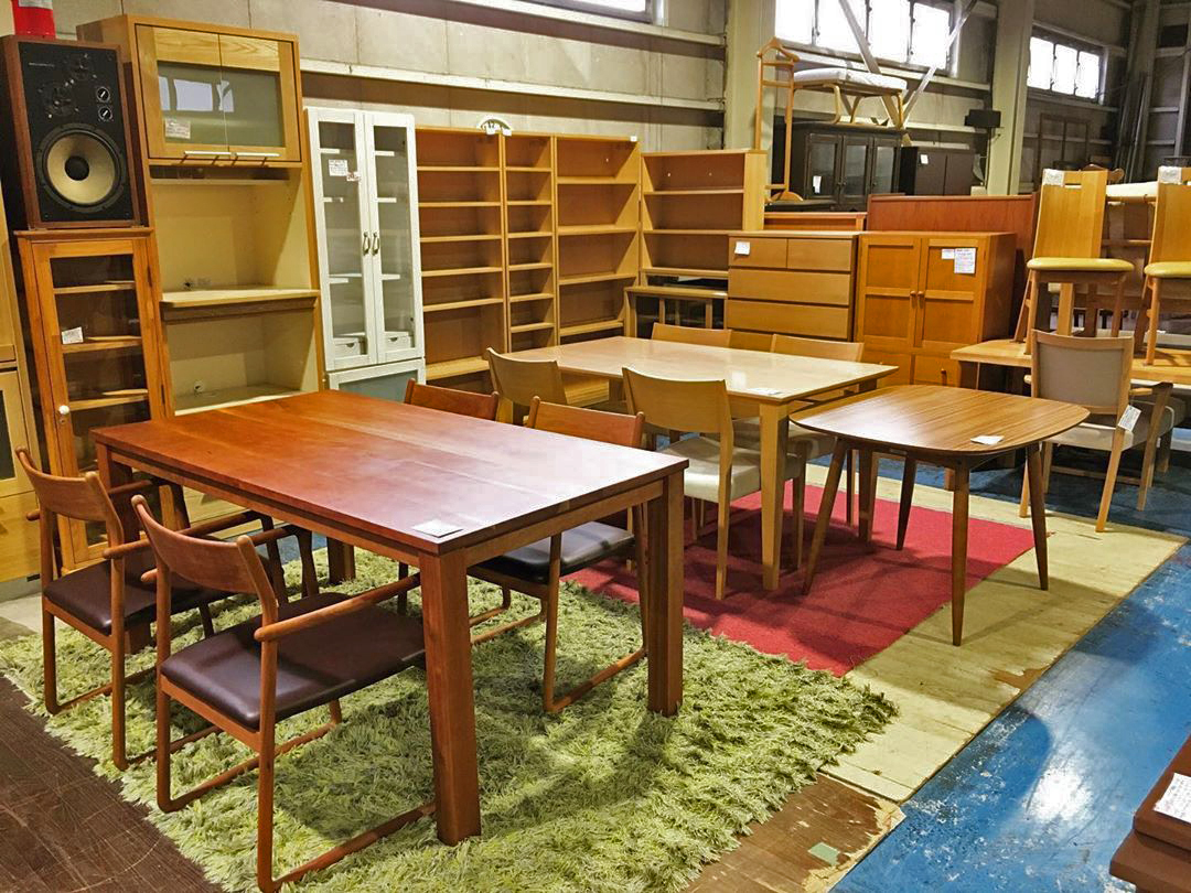 secondhand furniture furnishing sofa couches tables chairs Recycle Gallery NEWS Edogawa