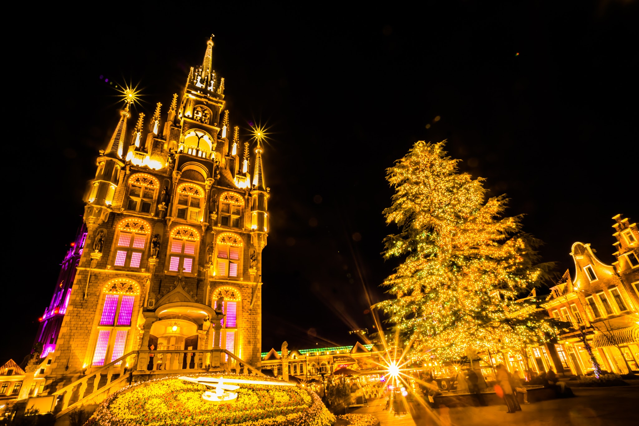 huis ten bosch christmas illuminations metropolis magazine japan