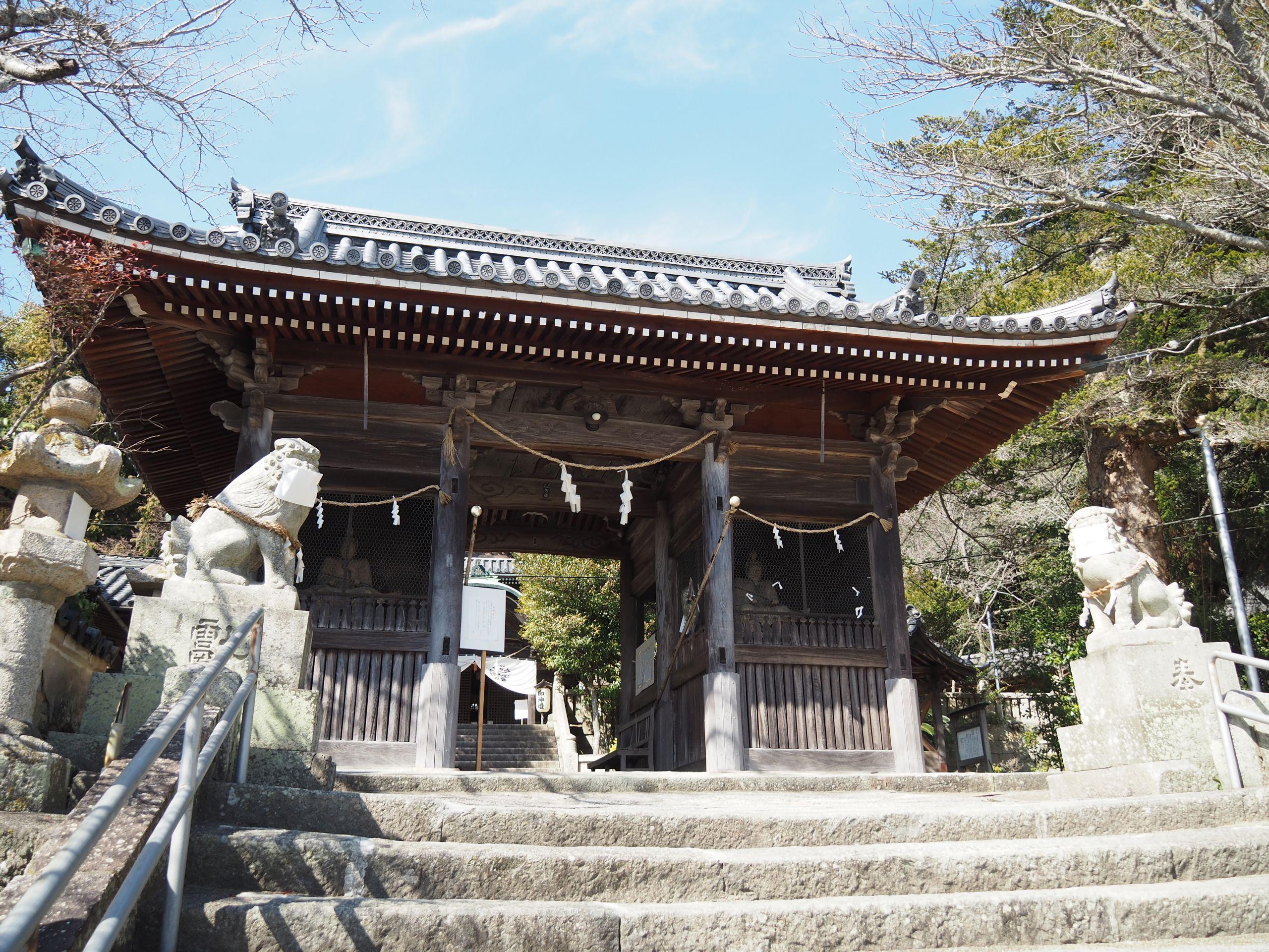 Ako-Osake-Shrine-Metropolis-Magazine-Japan